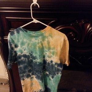 Vans medium tie dye shirt